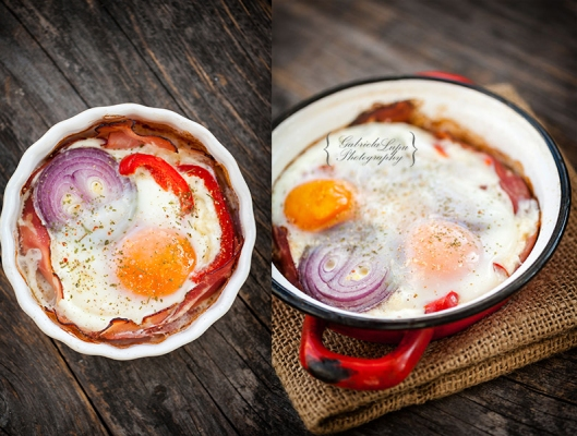 baked eggs with cheese and bacon